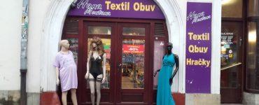 Prešovský obchod Hana Montana. foto: M. Zakuťanská