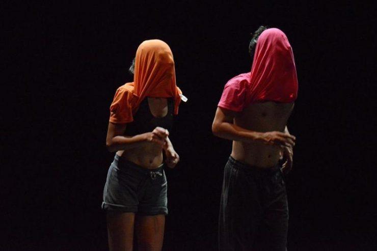 Rukaawat ke liye khed hai (Sorry for the interruption) | Foto: archív festivalu SPIELART