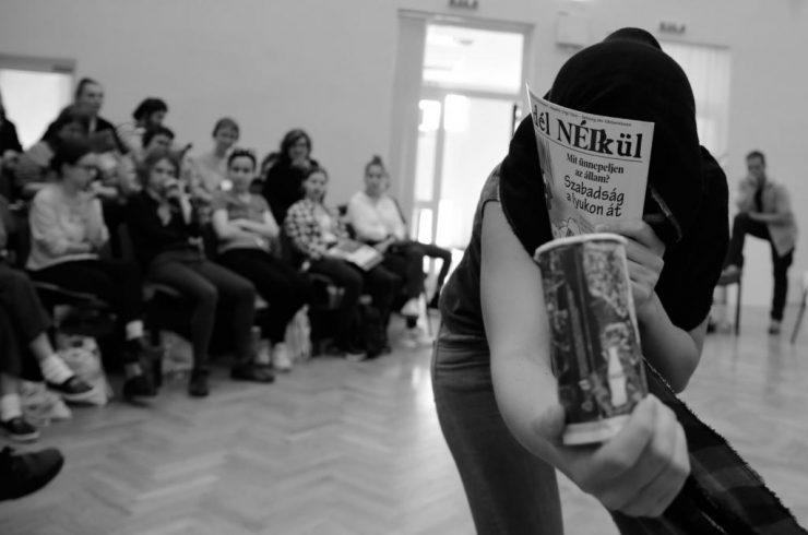 Bez adresy - hra na tuláka (foto C. Bachratý)