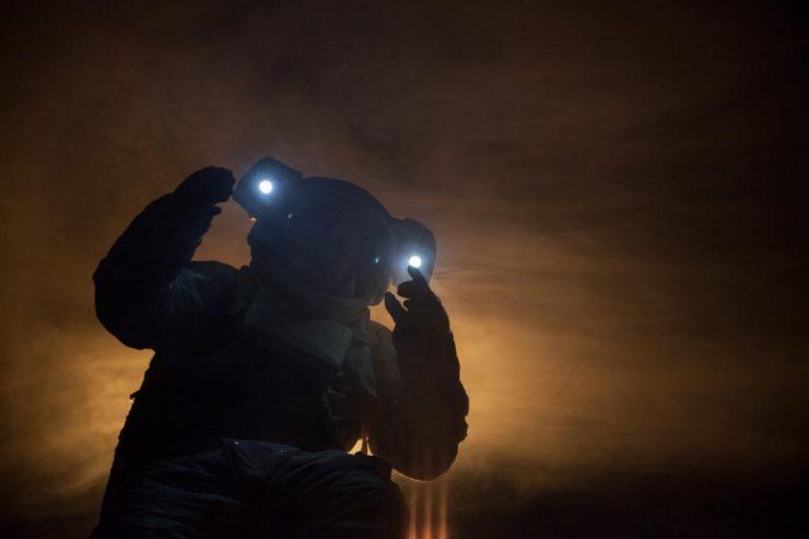 Muž v skafandri (foto R. Dranga)