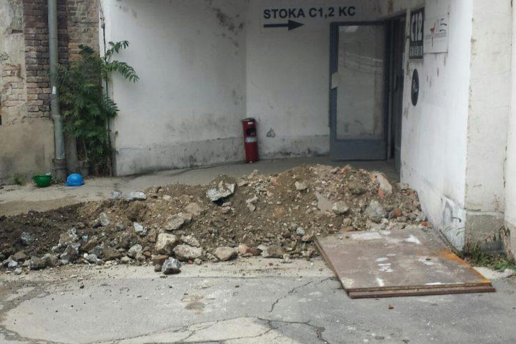 vchod do starej Cvernovky, kde Stoka do roku 2019 sídlila (foto archív Divadla Stoka)