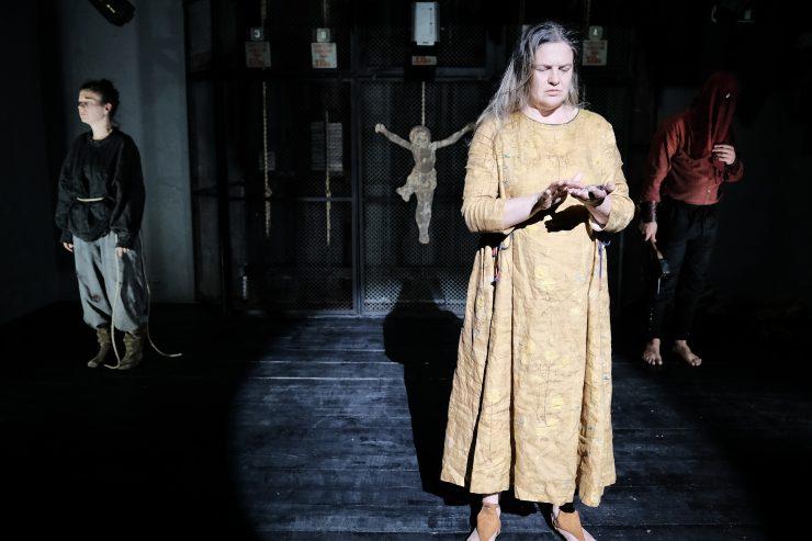 Nové divadlo Nitra: Druhá smrť Jany z Arcu (foto Martin Geišberg)