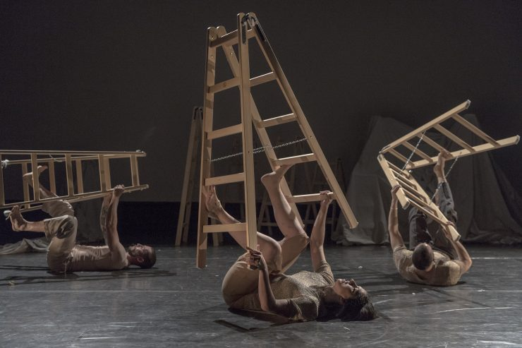 Divadlo NUDE: BRUTTO (foto Ľ. Kotlár)