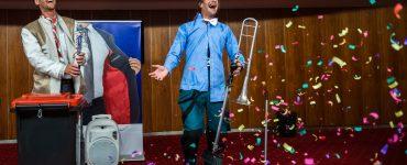 Ansámbel nepravidelného divadla: Welcome to stupidity (foto J. Novák)