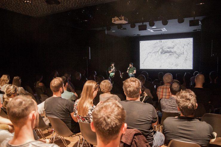 Malý Berlín: Backpackerské kino: 30 dní hrdinom (foto P. K. Adamková)